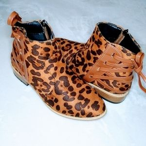 Shoes - Leopard Print Bootie with The behind